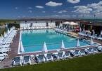 Открит басейн до София в спортно-развлекателен комплекс ВЛВ СПОРТ